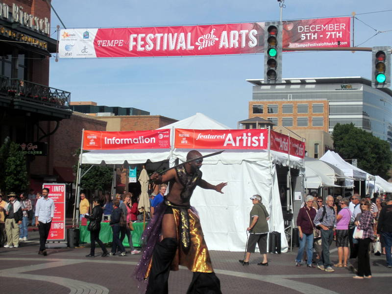 Tempe Festival Of The Arts Take Light Rail To Get To The Fun
